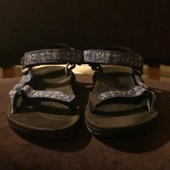 3d91a2640 Teva Pretty Rugged Women s Sandals - Sz 8. M 5b207418f63eeafe1d0f6c81